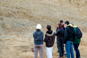 Etudes sédimentologique dans un environnement lacustre proglaciaire. La Combe d'Ain, Jura. séquence sédimentaire d'un système fluviatile en tresse